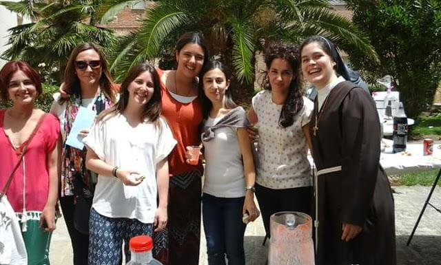Una joven de treinta años profesa como monja contemplativa en las Clarisas de El Toboso